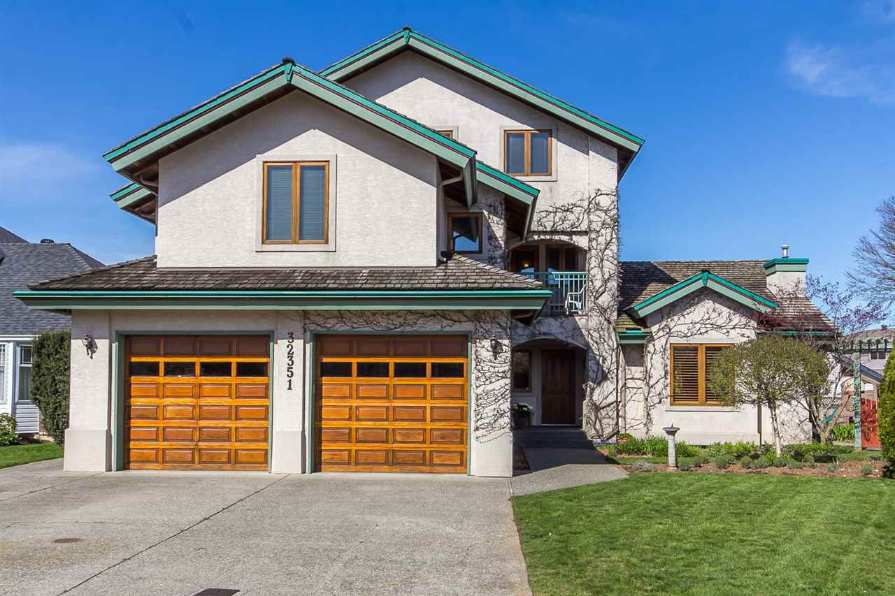"Main Photo: 32351 NAKUSP Drive in Abbotsford: Abbotsford West House for sale in ""Fairfield Estates"" : MLS®# R2053865"