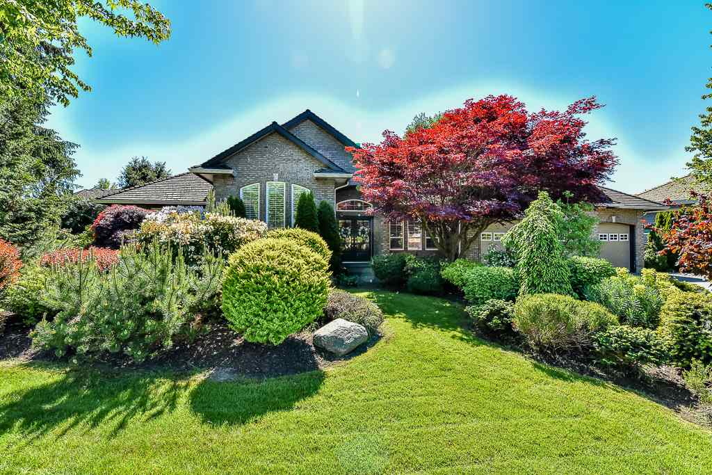 "Main Photo: 3481 CANTERBURY Drive in Surrey: Morgan Creek House for sale in ""Morgan Creek"" (South Surrey White Rock)  : MLS®# R2061039"