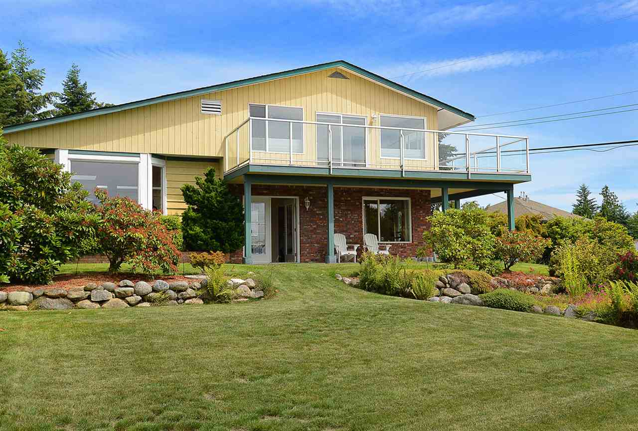 Main Photo: 5130 CHAPMAN Road in Sechelt: Sechelt District House for sale (Sunshine Coast)  : MLS® # R2085227