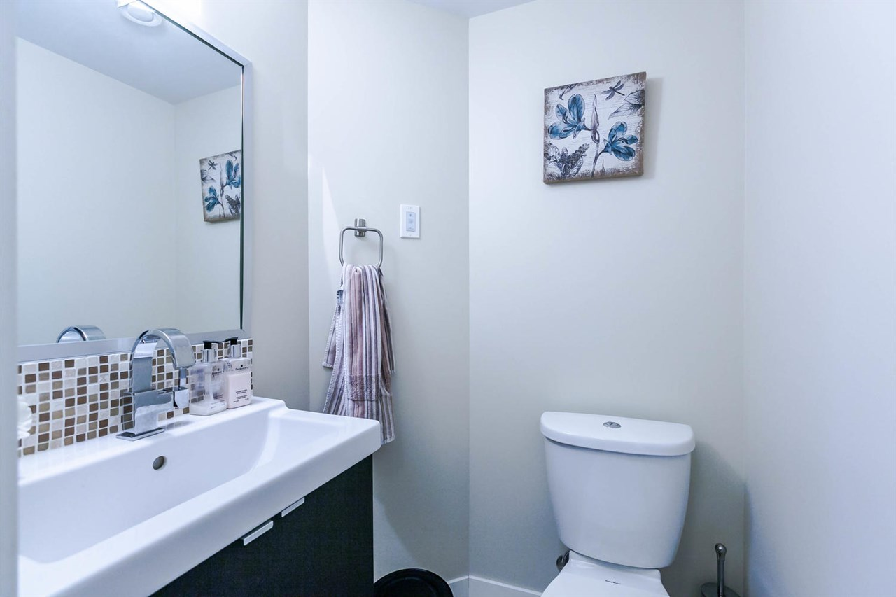 "Photo 9: 2480 W 8TH Avenue in Vancouver: Kitsilano Townhouse for sale in ""HERITAGE ON 8TH"" (Vancouver West)  : MLS® # R2142785"