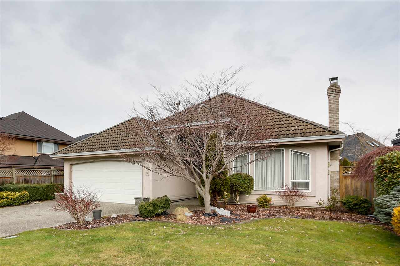 "Main Photo: 1579 SPYGLASS Crescent in Delta: Cliff Drive House for sale in ""IMPERIAL VILLAGE"" (Tsawwassen)  : MLS(r) # R2144480"