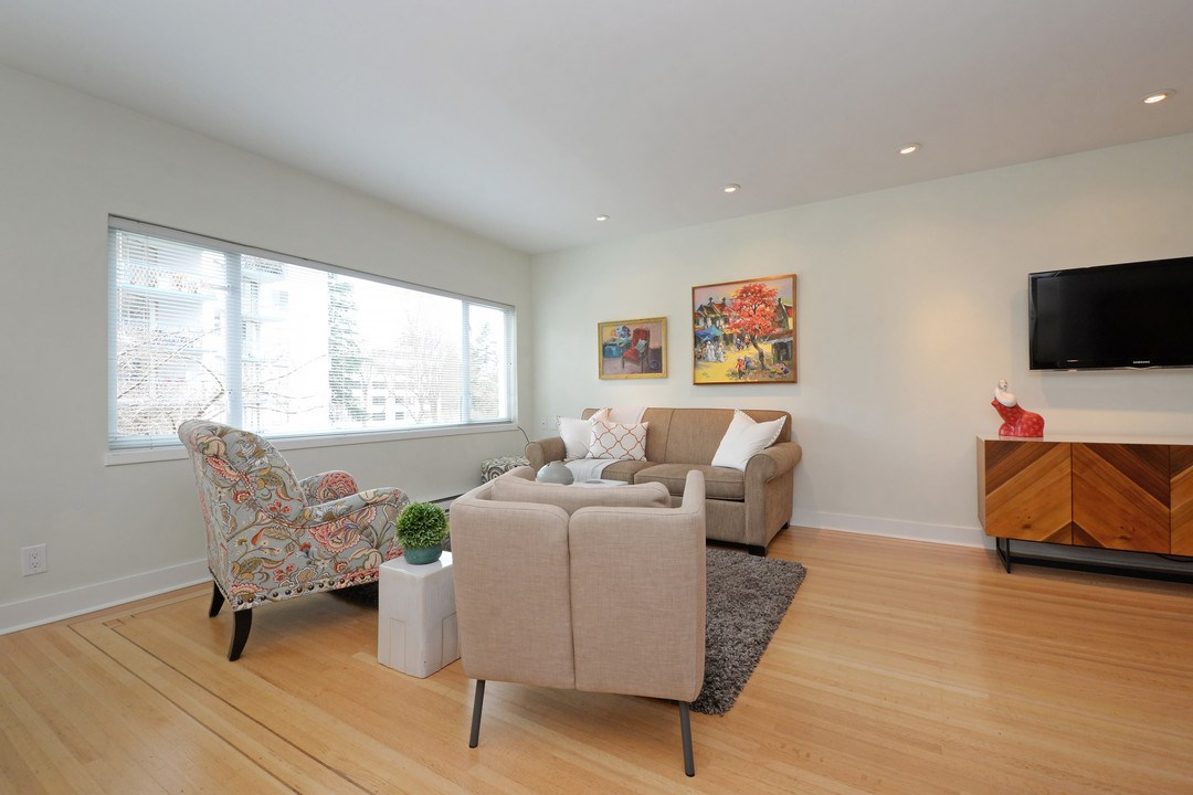 "Main Photo: 201 2015 HARO Street in Vancouver: West End VW Condo for sale in ""ARNISTON APARTMENTS LTD"" (Vancouver West)  : MLS(r) # R2152971"