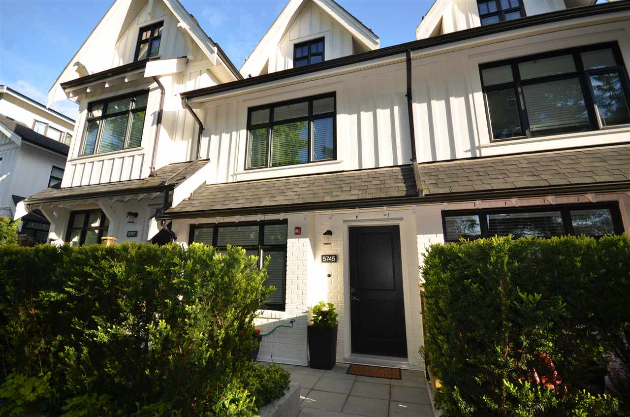 "Main Photo: 5745 ST. GEORGE Street in Vancouver: Fraser VE Townhouse for sale in ""THE SAINT GEORGE"" (Vancouver East)  : MLS(r) # R2168253"