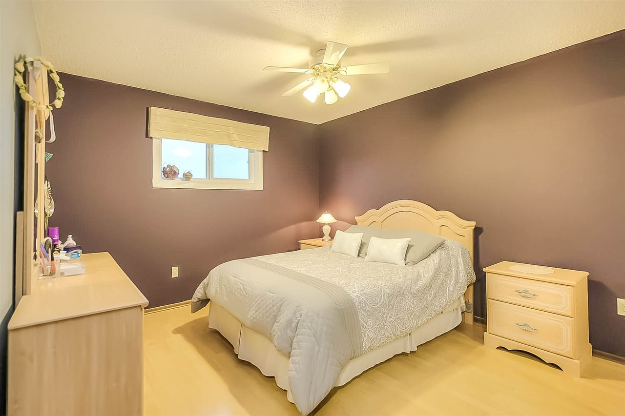Photo 22: 132 CASTLE Keep in Edmonton: Zone 27 House for sale : MLS® # E4067043