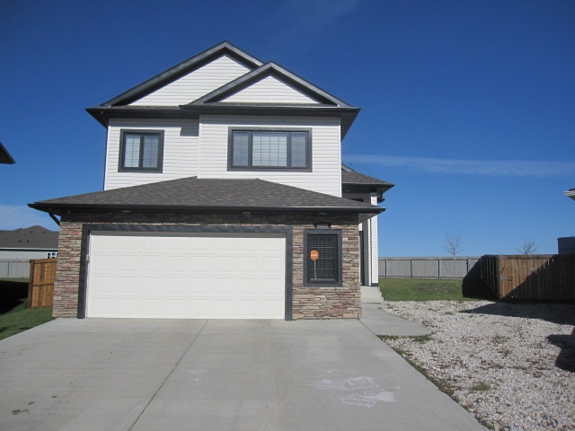 Main Photo: 9608 90 Street: Morinville House for sale : MLS® # E4083449