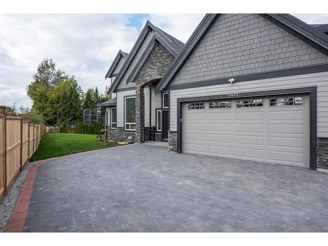 Main Photo: 21833 51 Avenue in Langley: Murrayville House for sale : MLS®# R2227348