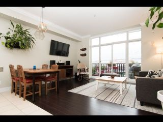 Main Photo: 204 1637 E PENDER Street in Vancouver: Hastings Condo for sale (Vancouver East)  : MLS® # R2233840