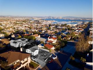 Main Photo: POINT LOMA House for sale : 3 bedrooms : 3330 Byron in San Diego