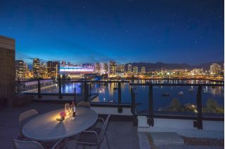 Main Photo: 801 138 ATHLETES Way in Vancouver: False Creek Condo for sale (Vancouver West)  : MLS® # R2239974