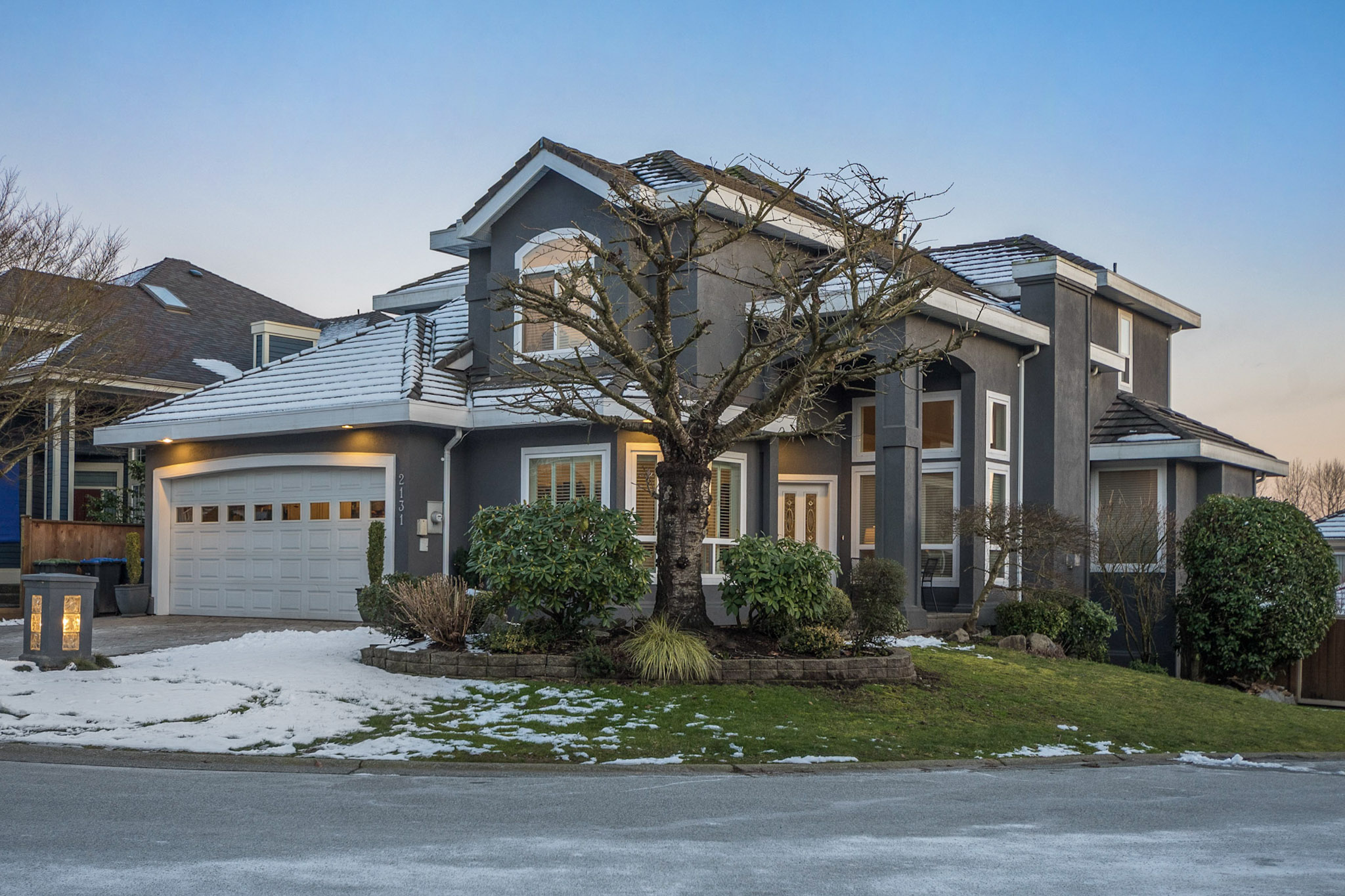 "Main Photo: 2131 DRAWBRIDGE Close in Port Coquitlam: Citadel PQ House for sale in ""Citadel Heights"" : MLS® # R2242911"