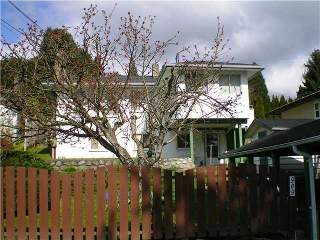 Photo 10: 909 E Keith Rd. in North Vancouver: Calverhall House for sale : MLS(r) # V884429