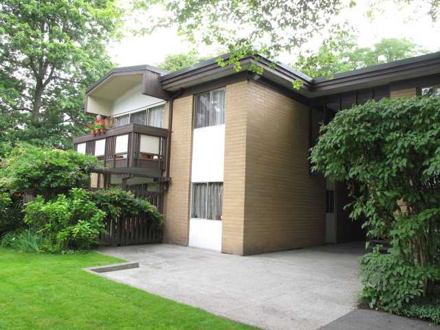"Main Photo: 4 5505 OAK Street in Vancouver: Shaughnessy Condo for sale in ""SHAWNOAKS"" (Vancouver West)  : MLS®# V916501"