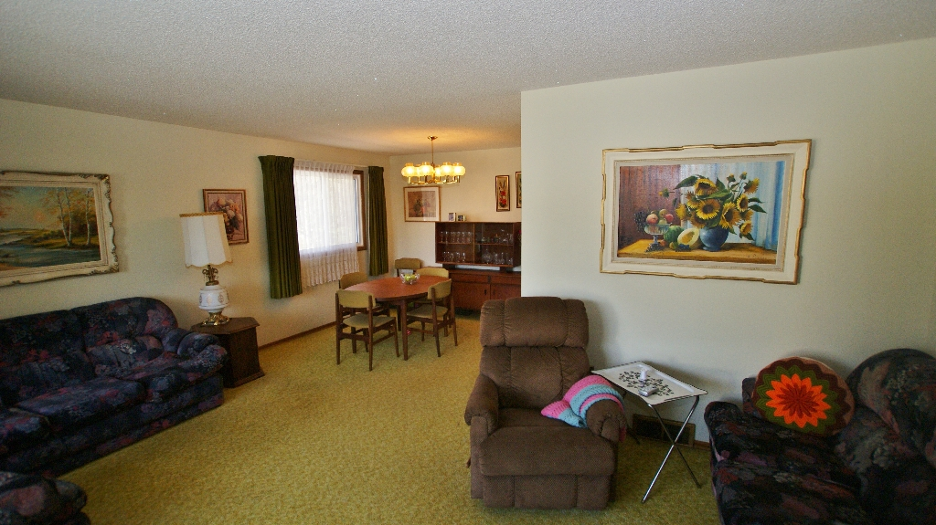 Photo 11: 417 Paufeld Drive in Winnipeg: North Kildonan Residential for sale (North East Winnipeg)  : MLS(r) # 1206567