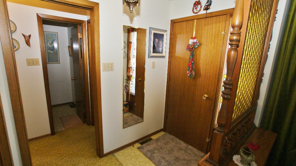 Photo 6: 417 Paufeld Drive in Winnipeg: North Kildonan Residential for sale (North East Winnipeg)  : MLS(r) # 1206567