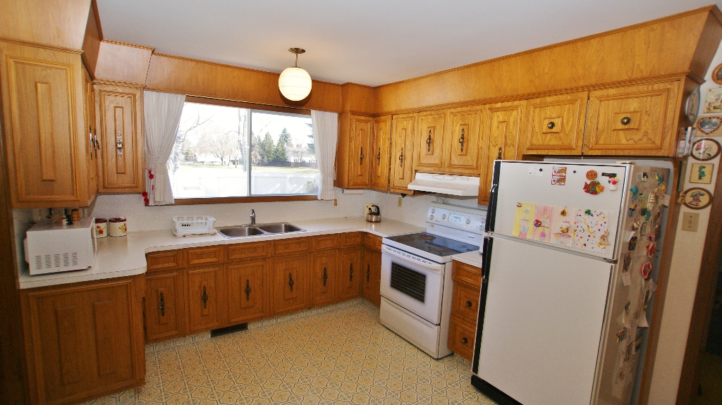 Photo 7: 417 Paufeld Drive in Winnipeg: North Kildonan Residential for sale (North East Winnipeg)  : MLS(r) # 1206567