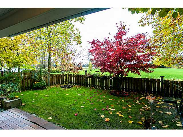 "Photo 13: 111 3038 E KENT Avenue in Vancouver: Fraserview VE Condo for sale in ""SOUTH HAMPTON"" (Vancouver East)  : MLS(r) # V1035735"