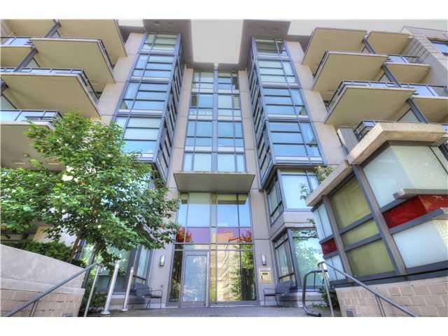 "Photo 2: 412 750 W 12TH Avenue in Vancouver: Fairview VW Condo for sale in ""TAPESTRY"" (Vancouver West)  : MLS(r) # V1068954"