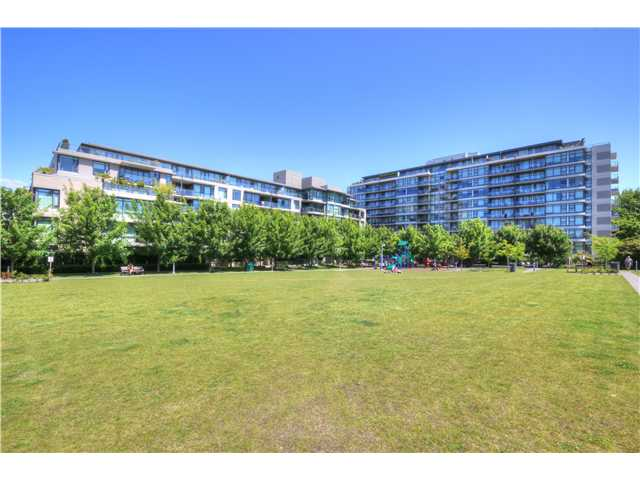 "Photo 15: 412 750 W 12TH Avenue in Vancouver: Fairview VW Condo for sale in ""TAPESTRY"" (Vancouver West)  : MLS(r) # V1068954"