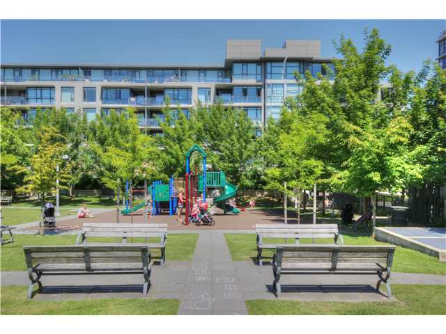 "Photo 16: 412 750 W 12TH Avenue in Vancouver: Fairview VW Condo for sale in ""TAPESTRY"" (Vancouver West)  : MLS(r) # V1068954"