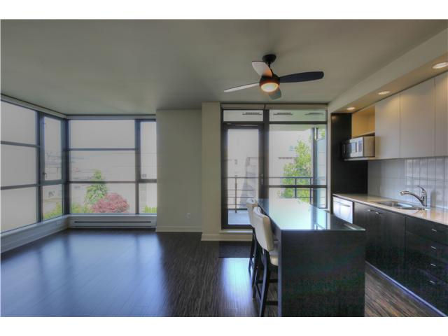 "Photo 5: 412 750 W 12TH Avenue in Vancouver: Fairview VW Condo for sale in ""TAPESTRY"" (Vancouver West)  : MLS(r) # V1068954"