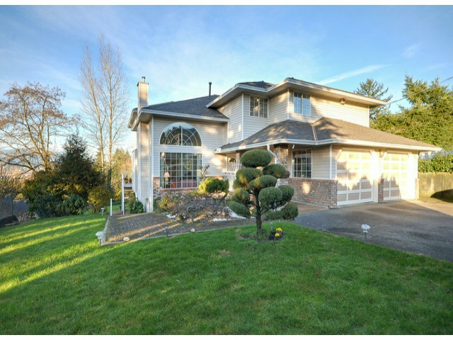 Main Photo: 12977 110TH Avenue in Surrey: Whalley House for sale (North Surrey)  : MLS® # F1431205