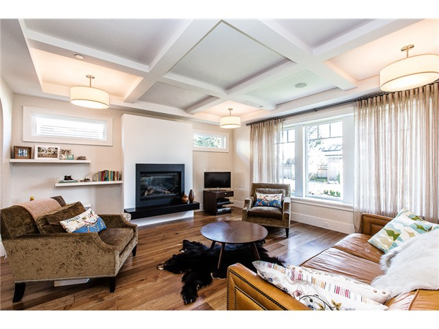 Photo 2: 214 ANTHONY Court in New Westminster: Queens Park House for sale : MLS® # V1105852