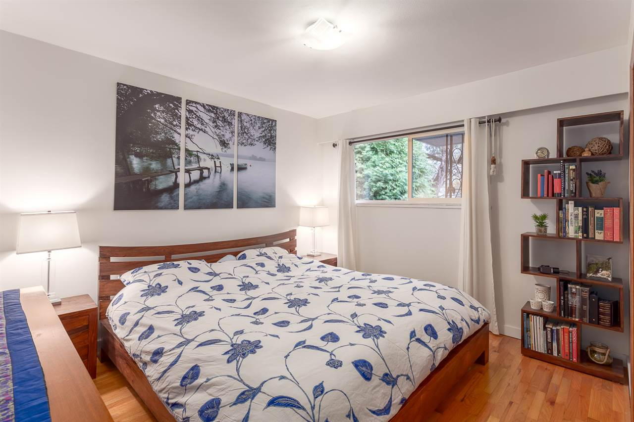 "Photo 10: 3224 WILLIAM Street in Vancouver: Renfrew VE House for sale in ""RUPERT PARK"" (Vancouver East)  : MLS(r) # R2015587"