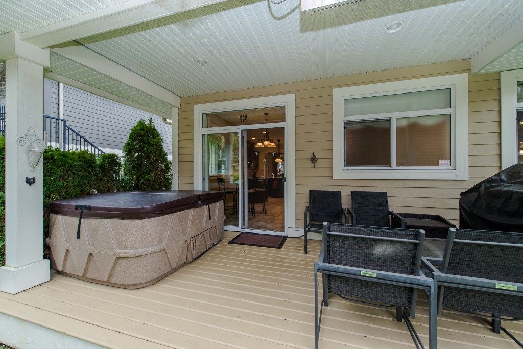 "Photo 37: 3282 BOXWOOD Court in Abbotsford: Abbotsford East House for sale in ""The Highlands"" : MLS® # R2049966"