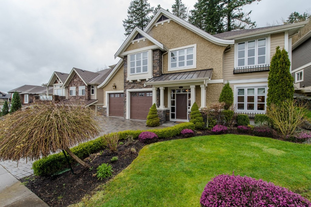 "Photo 2: 3282 BOXWOOD Court in Abbotsford: Abbotsford East House for sale in ""The Highlands"" : MLS® # R2049966"