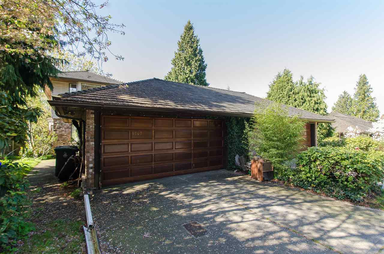 "Main Photo: 1747 SOUTHMERE Crescent in Surrey: Sunnyside Park Surrey House 1/2 Duplex for sale in ""ENGELSEA"" (South Surrey White Rock)  : MLS(r) # R2056411"
