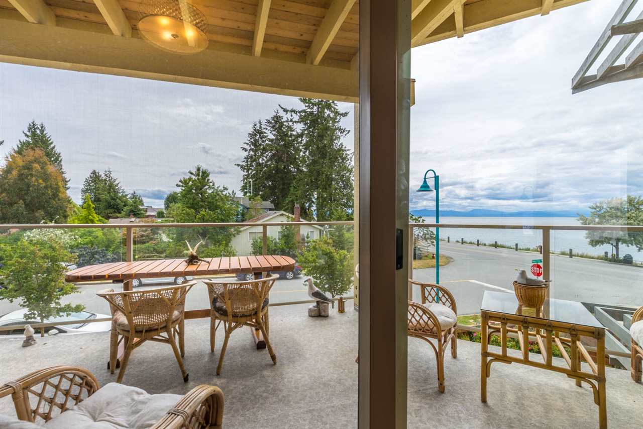 Photo 3: 228 5160 DAVIS BAY Road in Sechelt: Sechelt District Condo for sale (Sunshine Coast)  : MLS(r) # R2076626