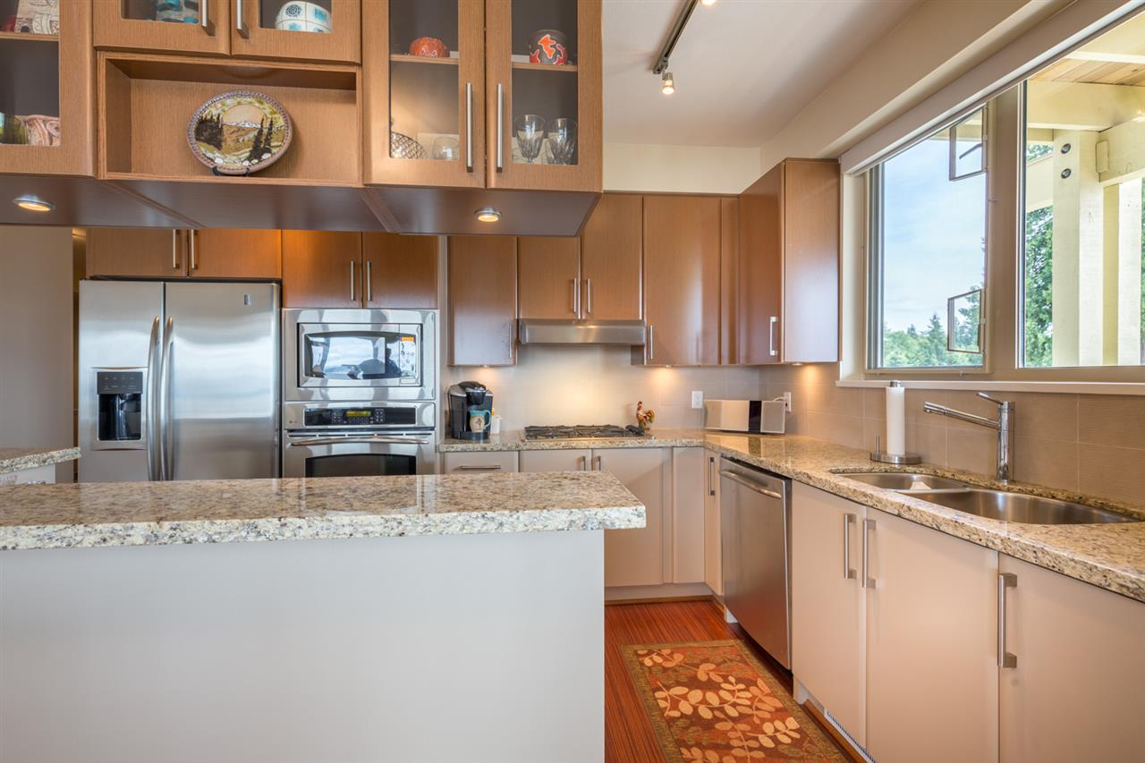 Photo 6: 228 5160 DAVIS BAY Road in Sechelt: Sechelt District Condo for sale (Sunshine Coast)  : MLS(r) # R2076626