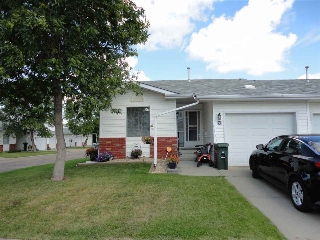 Main Photo: #36 15 Ritchie Way: Sherwood Park Townhouse for sale : MLS(r) # E4032499