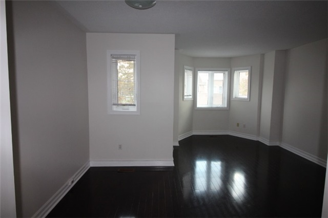 Photo 2: 281 60 Barondale Drive in Mississauga: Hurontario Condo for lease : MLS(r) # W3580226