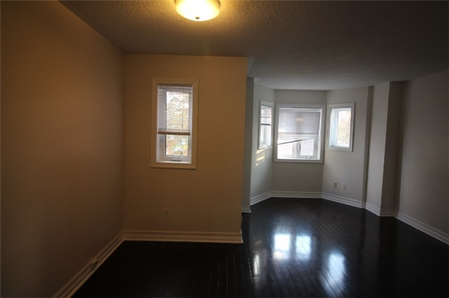 Photo 6: 281 60 Barondale Drive in Mississauga: Hurontario Condo for lease : MLS(r) # W3580226