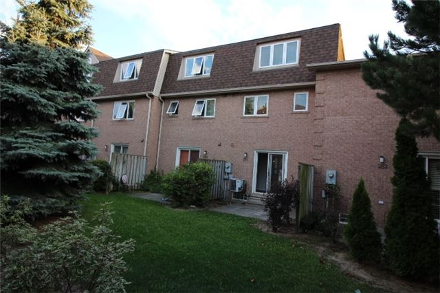 Photo 4: 281 60 Barondale Drive in Mississauga: Hurontario Condo for lease : MLS(r) # W3580226