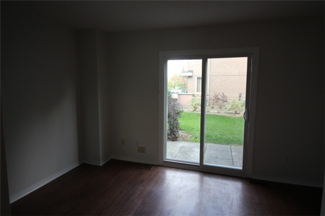 Photo 8: 281 60 Barondale Drive in Mississauga: Hurontario Condo for lease : MLS(r) # W3580226