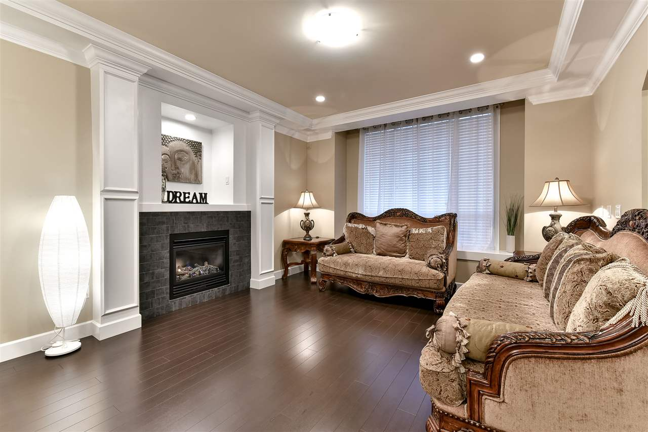 Photo 3: 21043 83RD Avenue in Langley: Willoughby Heights House for sale : MLS(r) # R2127986