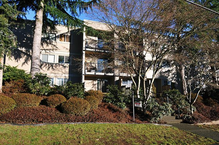 "Main Photo: 101 1121 HOWIE Avenue in Coquitlam: Central Coquitlam Condo for sale in ""THE WILLOWS"" : MLS®# R2132546"