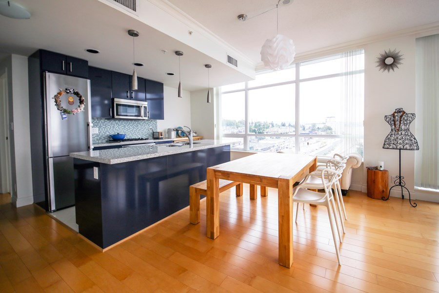 "Photo 4: 1104 172 VICTORY SHIP Way in North Vancouver: Lower Lonsdale Condo for sale in ""Atrium at the Pier"" : MLS(r) # R2134806"