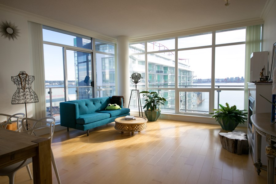"Photo 6: 1104 172 VICTORY SHIP Way in North Vancouver: Lower Lonsdale Condo for sale in ""Atrium at the Pier"" : MLS(r) # R2134806"