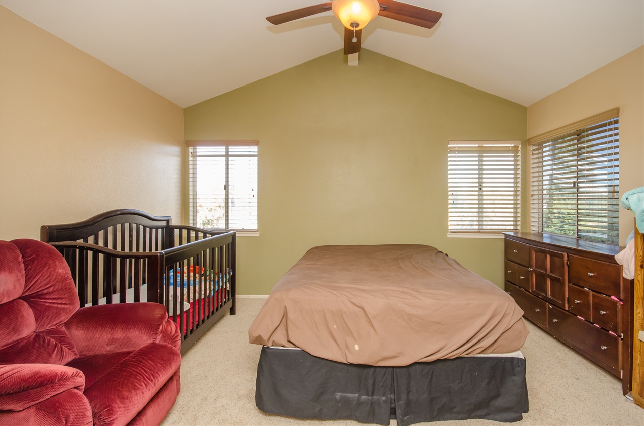 Photo 10: TEMECULA House for sale : 3 bedrooms : 31436 Corte Salinas