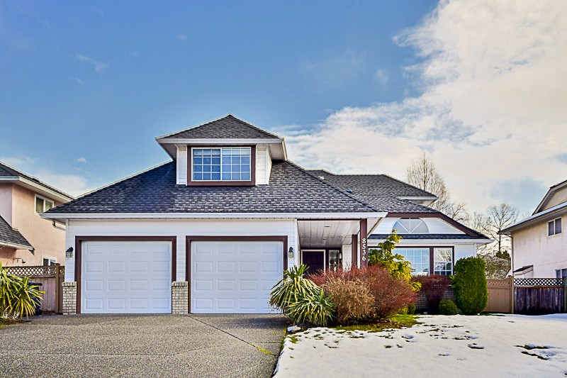 "Main Photo: 8536 142A Street in Surrey: Bear Creek Green Timbers House for sale in ""BROOKSIDE"" : MLS® # R2144935"
