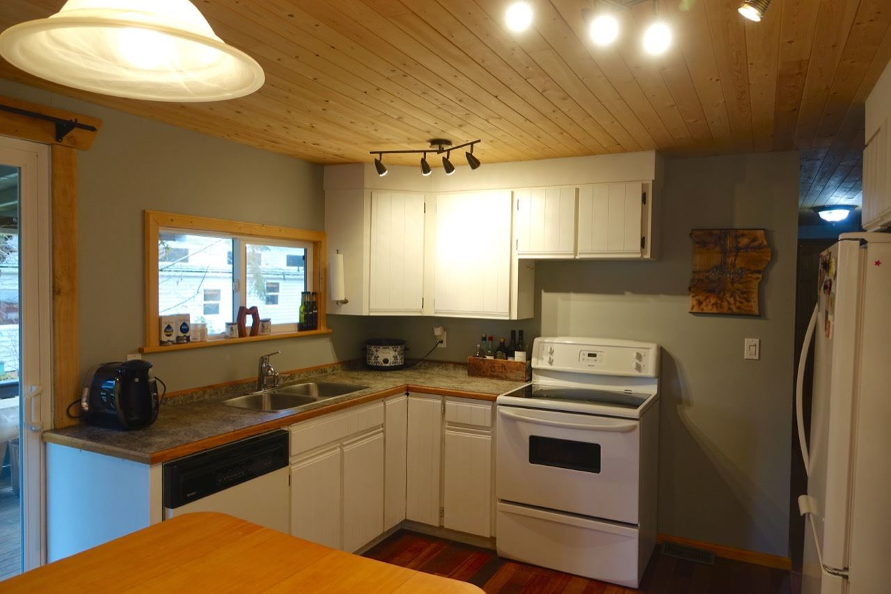 Photo 4: Photos: 86 1413 SUNSHINE COAST Highway in Gibsons: Gibsons & Area Manufactured Home for sale (Sunshine Coast)  : MLS® # R2145190