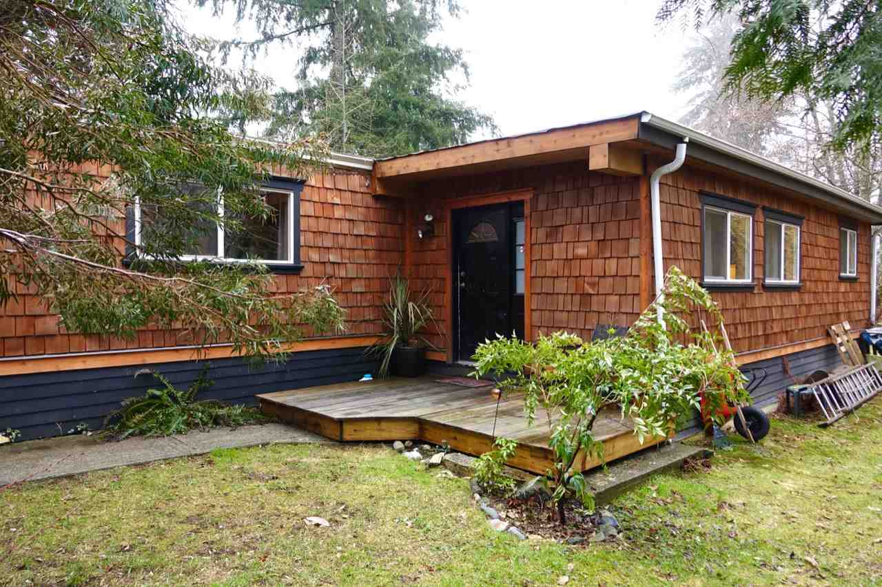 Photo 1: Photos: 86 1413 SUNSHINE COAST Highway in Gibsons: Gibsons & Area Manufactured Home for sale (Sunshine Coast)  : MLS® # R2145190