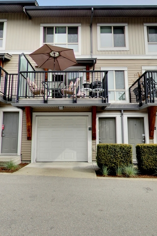 Main Photo: 152 6671 121ST Street in Surrey: West Newton Townhouse for sale : MLS® # R2165088