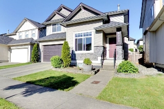 Main Photo: 6200 167B Street in Surrey: Cloverdale BC House for sale (Cloverdale)  : MLS(r) # R2169161
