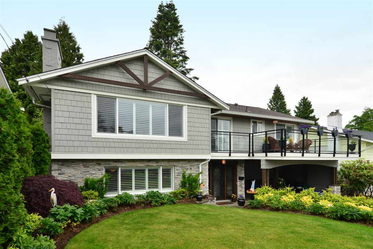 "Main Photo: 15701 GOGGS Avenue: White Rock House for sale in ""WHITE ROCK"" (South Surrey White Rock)  : MLS(r) # R2178923"