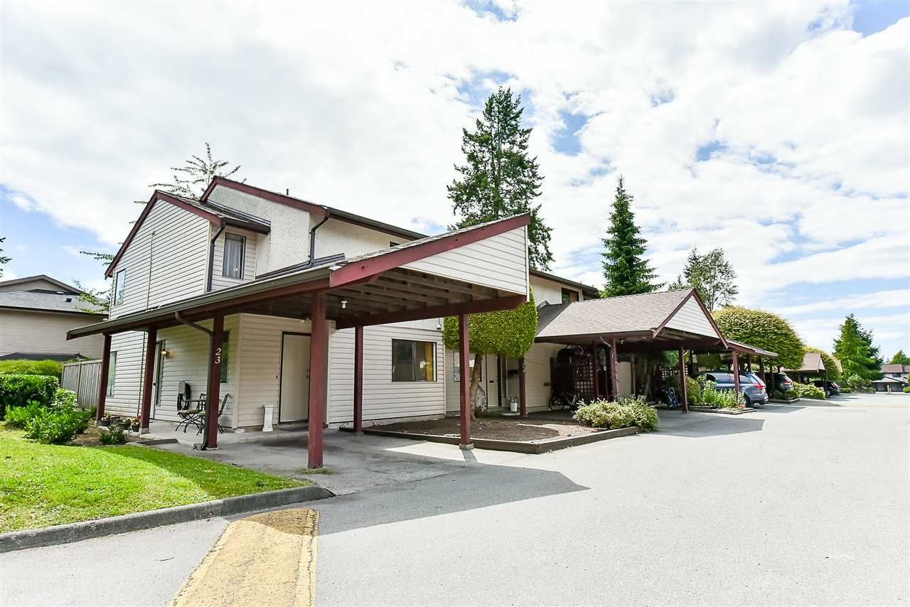 "Main Photo: 23 13990 74 Avenue in Surrey: East Newton Townhouse for sale in ""Wedgewood Estates"" : MLS(r) # R2180727"