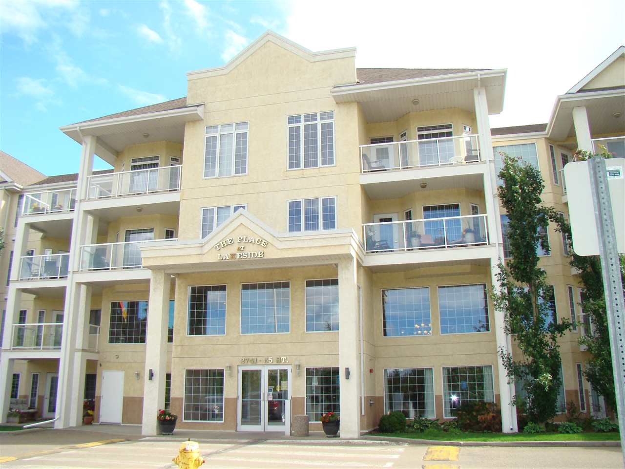 Main Photo: 232 2741 55 st NW in Edmonton: Zone 29 Condo for sale : MLS(r) # E4070471